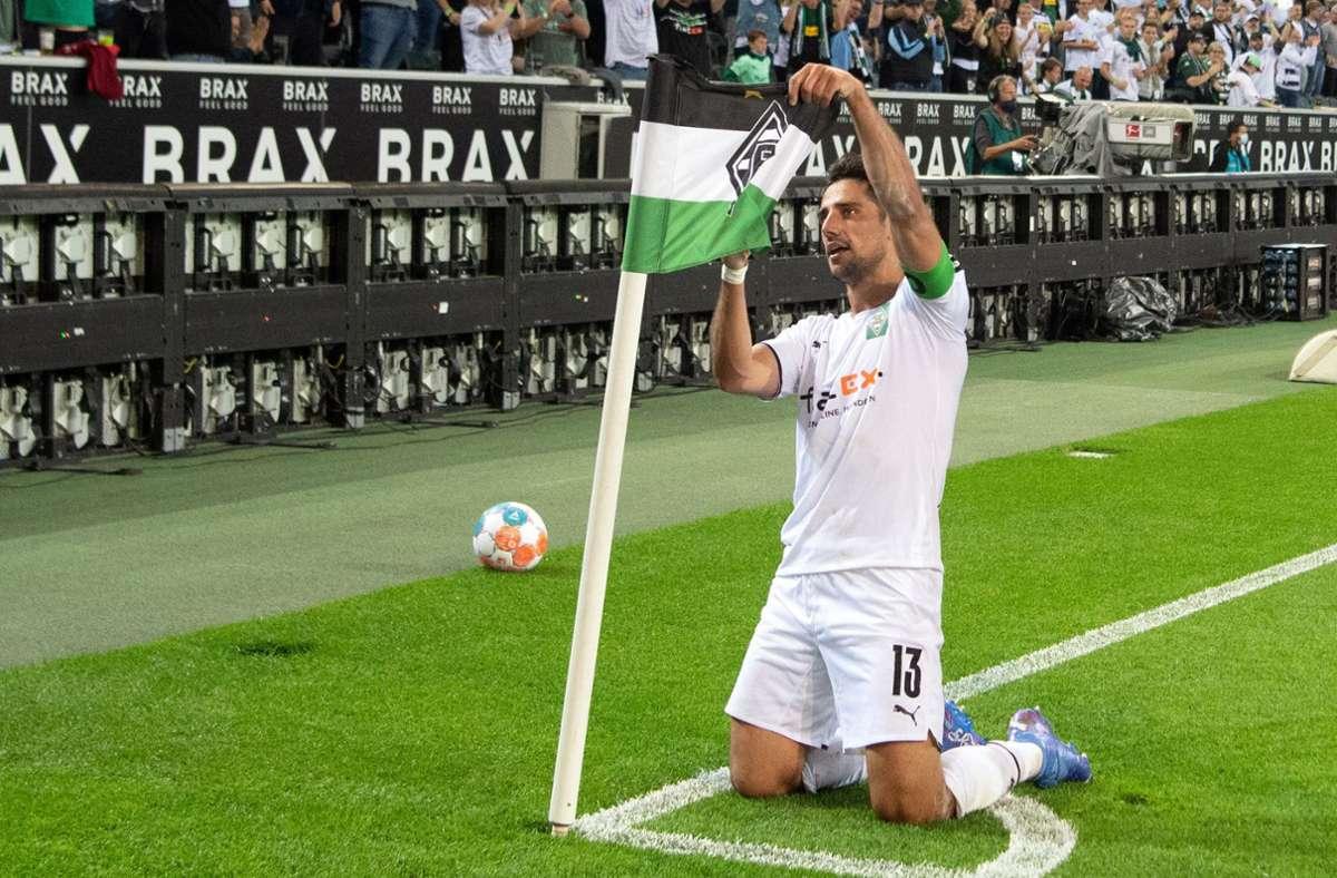 Mönchengladbachs Lars Stindl feiert sein Tor zum 1:0. Foto: dpa/Federico Gambarini