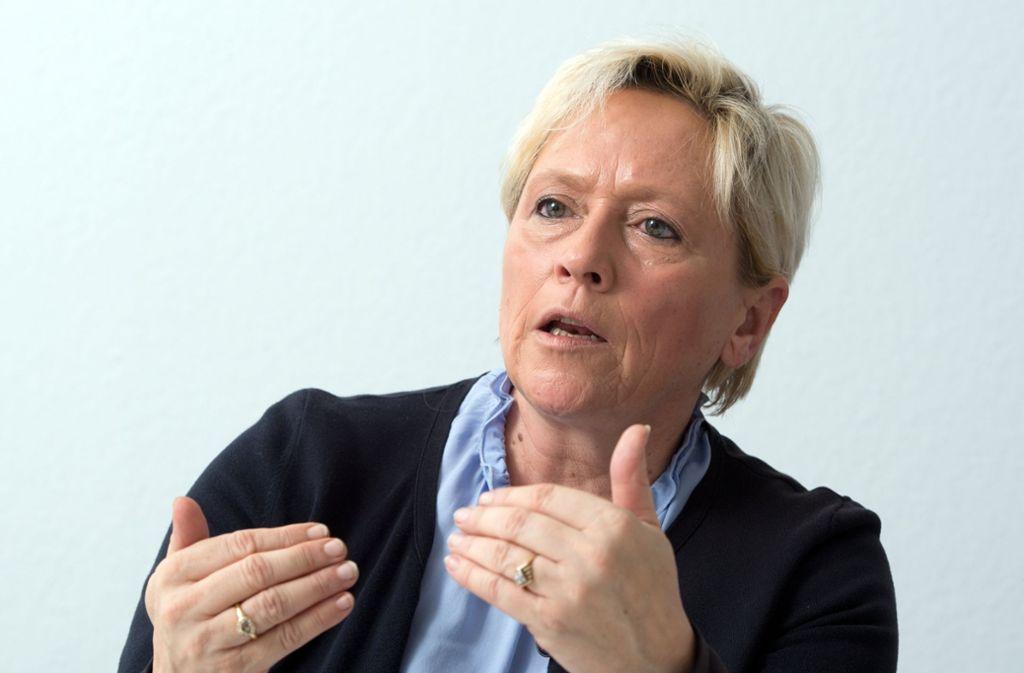 Susanne Eisenmann will die Digitalisierung an Schulen, zweifelt aber am aktuellen Projekt. Foto: dpa