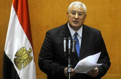 Übergangspräsident Adli Mansur ruft den Notstand aus