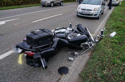 Schwerer Unfall zwischen Motorradfahrer und Radfahrer