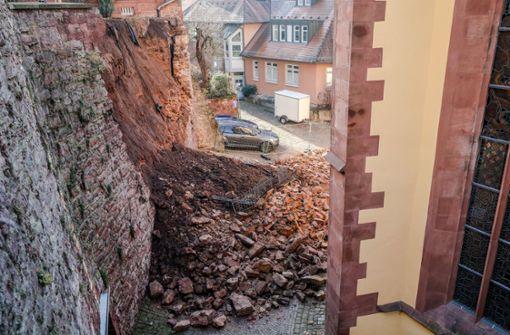 Eingestürzte Mauer wurde erst einen Monat zuvor geprüft