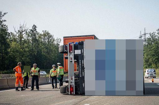 Bei Lkw-Unfall   16 Sünder in der   Rettungsgasse
