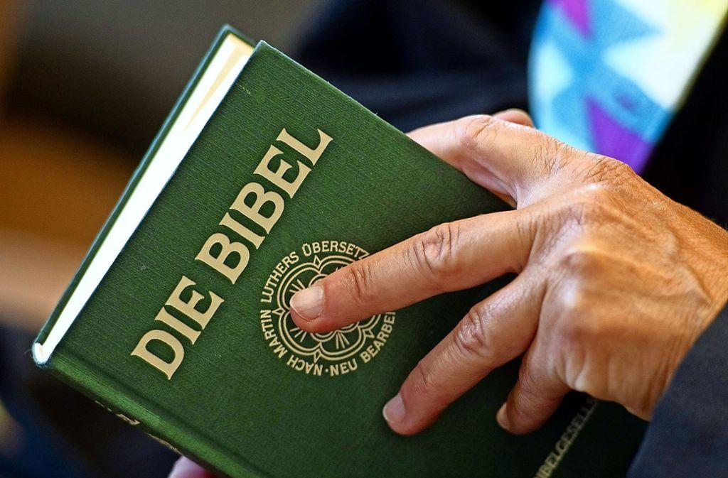 Gestritten wird auch darüber, wie   wörtlich  die Bibel ausgelegt werden kann. Foto: dpa