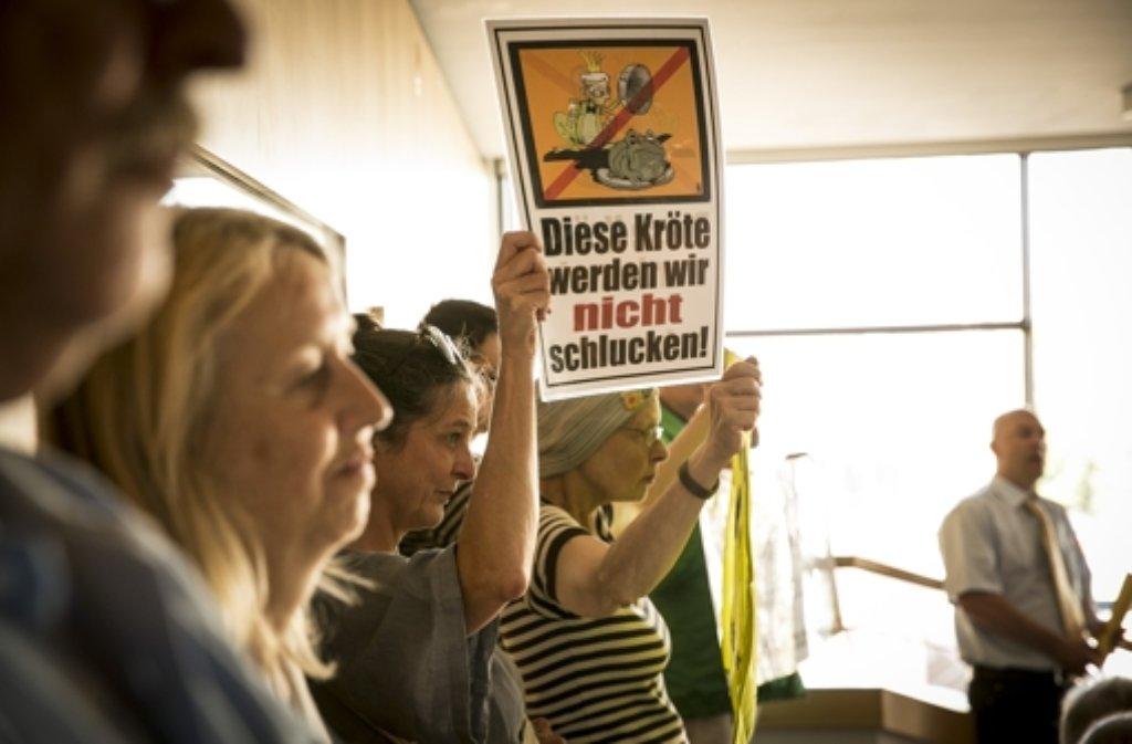 S-21-Gegner haben die Sitzung im Rathaus kritisch begleitet. Foto: Lichtgut/Leif Piechowski