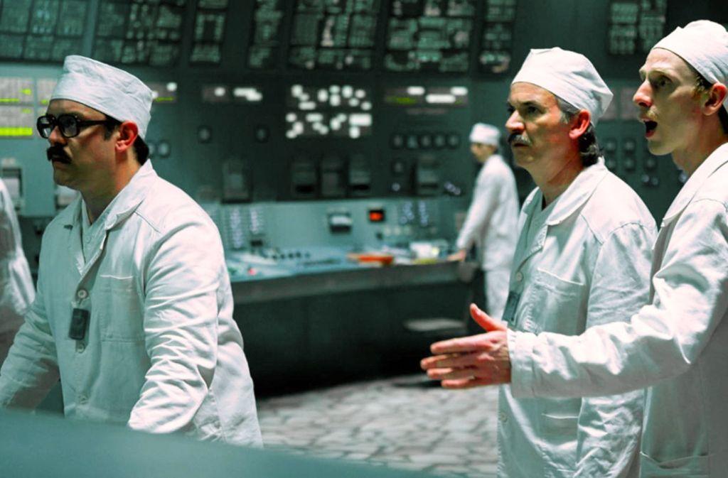 Kontrollverlust im Reaktor-Kontrollraum: Sam Troughton, Paul Ritter und Robert Emms (v. li.) Foto: HBO