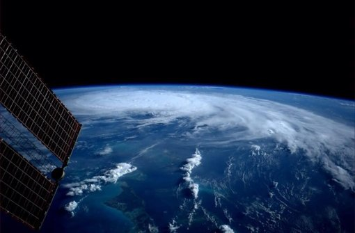 Blick aus der Internationalen Raumstation auf einen tropischen Sturm Foto: NASA