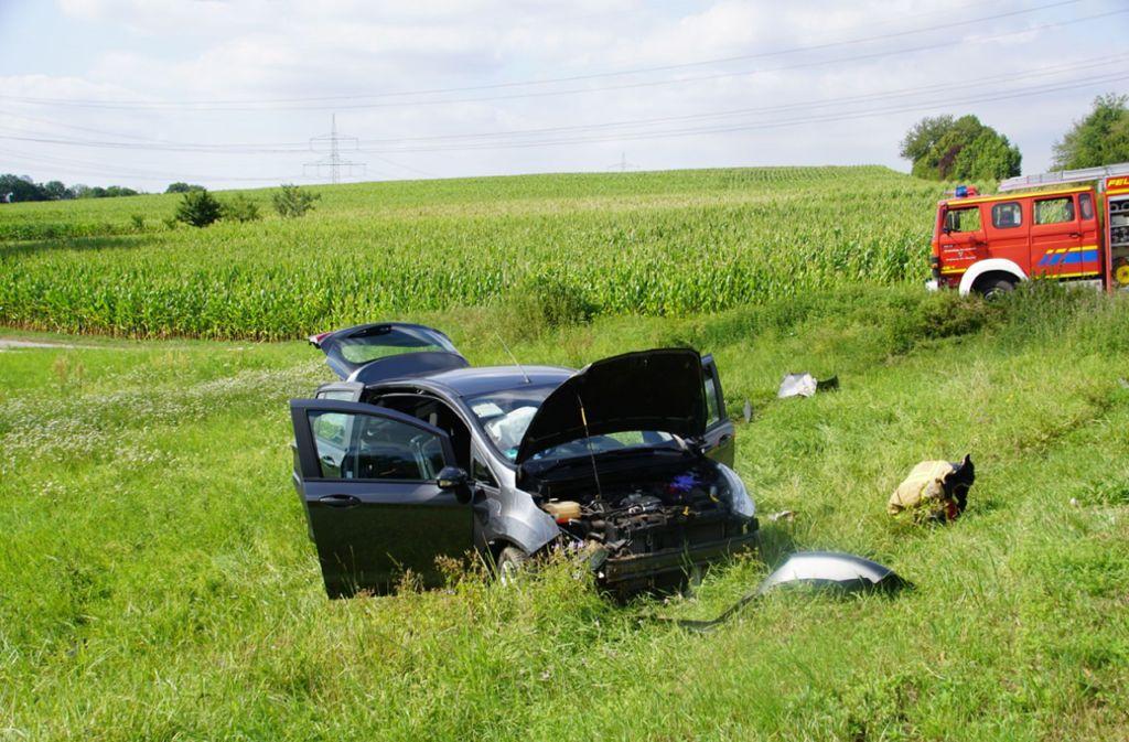 Der Fahrer des Fords wurde ebenso wie der Unfallverursacher schwer verletzt. Foto: SDMG