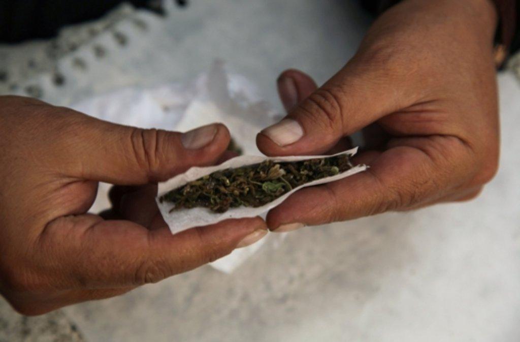 Ein Polizist wollte mit Marihuana seine Angst bekämpfen – keine gute Idee. Foto: AP