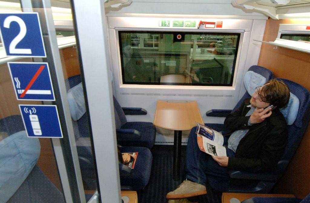 Entspanntes Arbeiten in der zweiten Klasse ist auf Bahnreisen oft nicht möglich. Foto: dpa