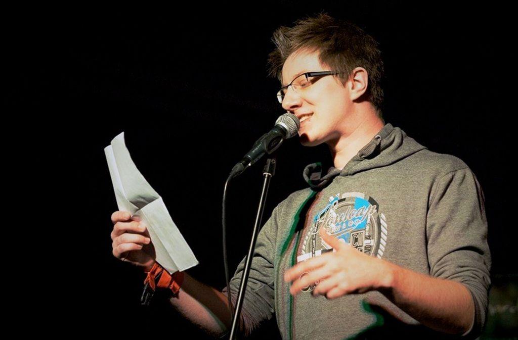 Yannik Sellmann wehrt sich gegen pseudo-intellektuelle Banalitäten. Foto: Florian Just