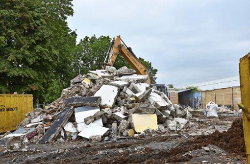 Das  Jugendhaus B 10 liegt in Trümmern