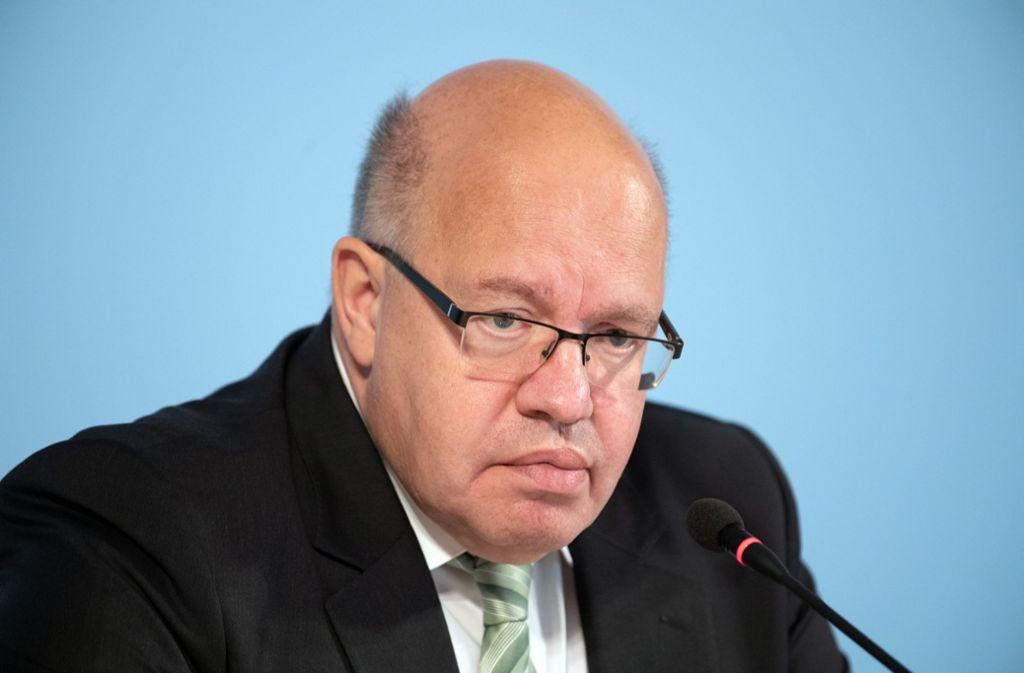 Bundeswirtschaftsminister Peter Altmaier (CDU) musste von der Industrie zunächst Kritik einstecken. (Archivbild) Foto: dpa/Soeren Stache