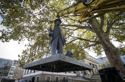 König-Wilhelm-Statue steht wieder vor dem Stadtpalais