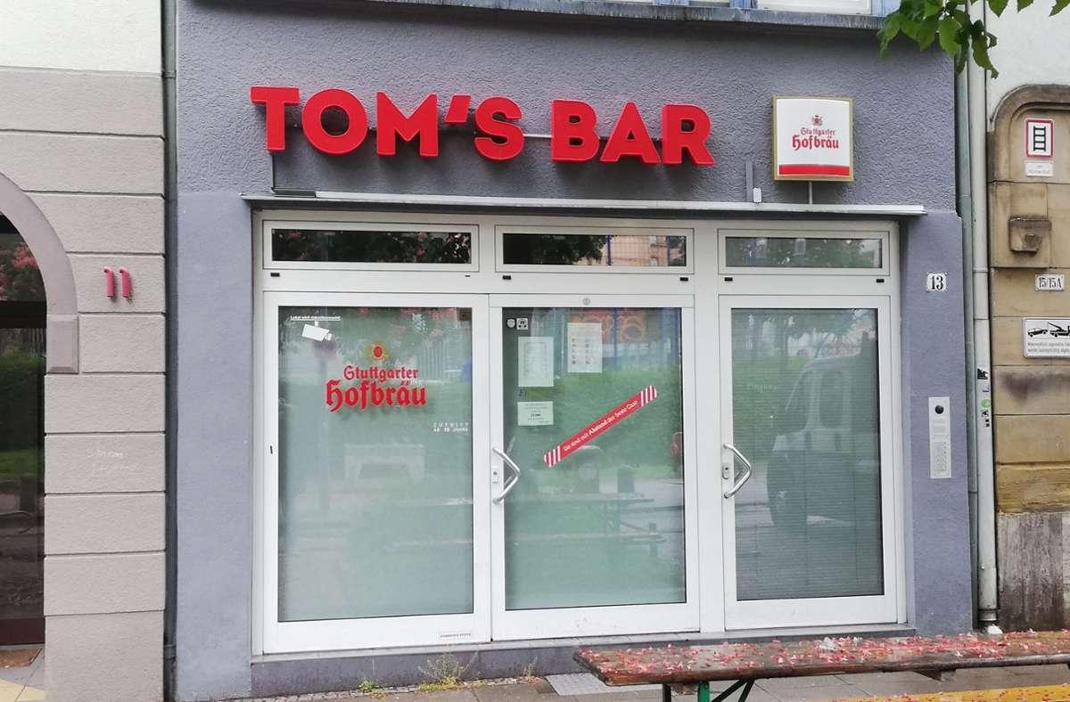Hier stoßen die Gäste mit Wodka  auf den schwulen Künstler Tom of Finland an. Er ist Namensgeber der Bar. Foto: /Cedric Rehman