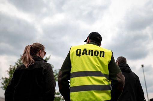 QAnon – die Gefährlichkeit absurder Geschichten