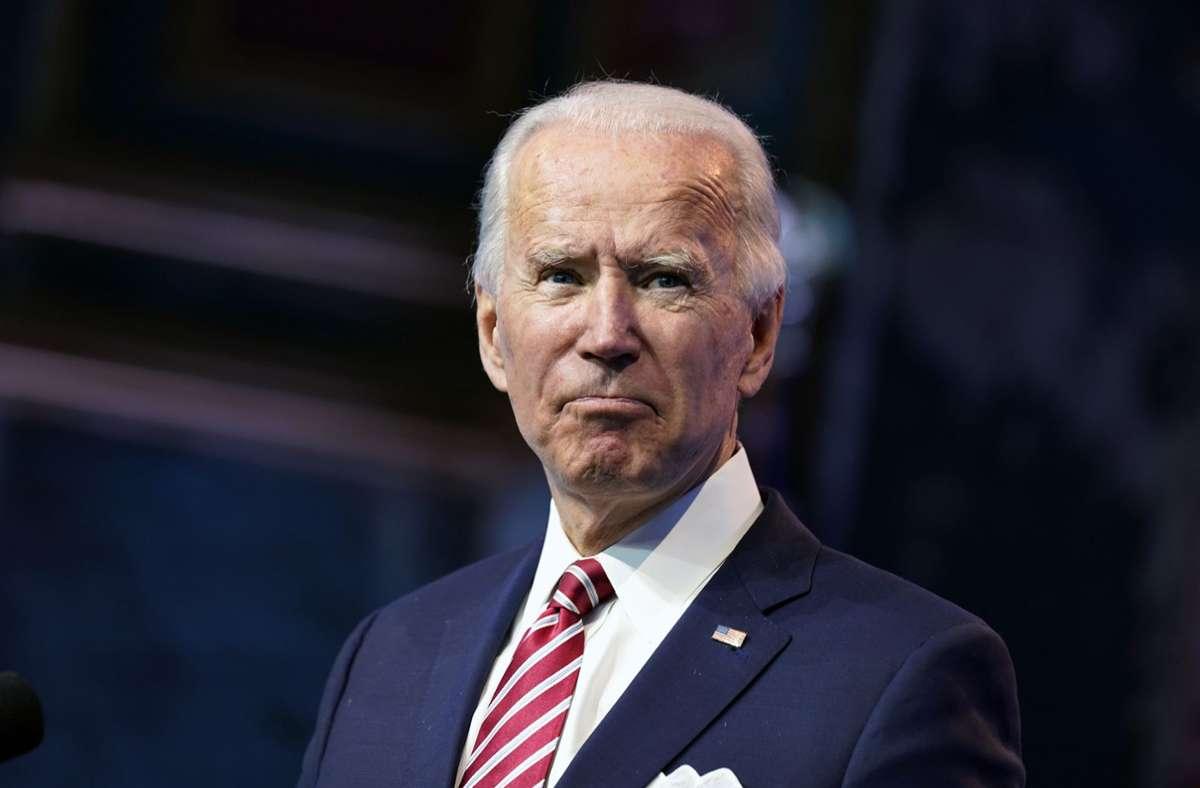 """Joe Biden hatte sich nach Mitteilung seines Büros am Samstag beim Spielen mit seinem Deutschen Schäferhund """"Major"""" verletzt. Foto: dpa/Andrew Harnik"""