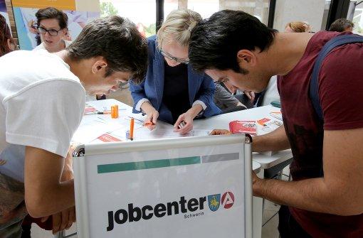Arbeitslosigkeit bleibt weiter niedrig