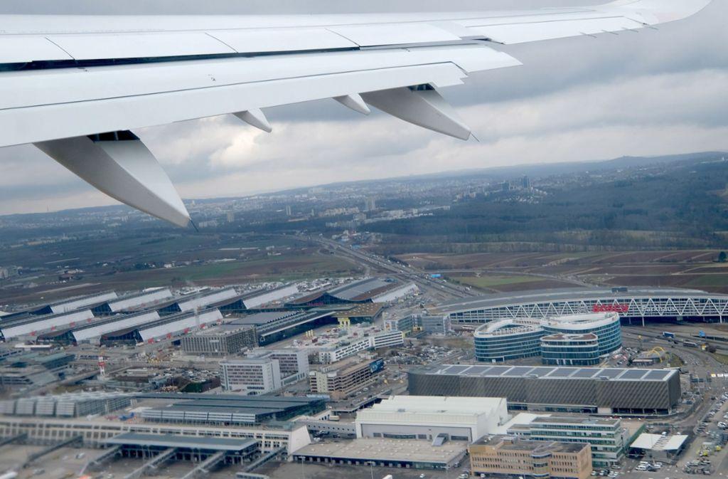 Der Flughafen Stuttgart könnte vom Streik betroffen sein. Foto: picture alliance/dpa/Bernd Weissbrod