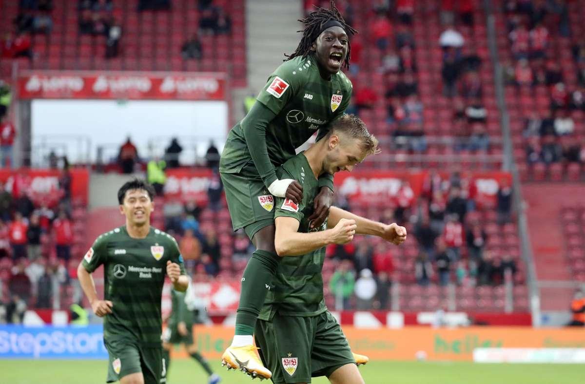 Spannung und beste Unterhaltung garantiert – VfB-Spiele sind auch für neutrale Zuschauer attraktiv. Foto: Pressefoto Baumann