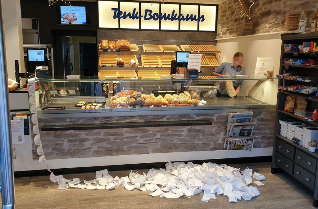 Rund 500 Bons in zwei Tagen wurden allein in dieser Filiale gedruckt. Foto: facebook/Tenk-Bonkamp