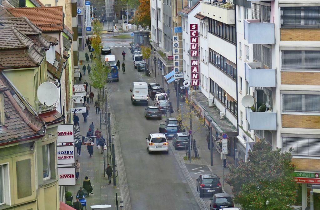 Auf der Seelbergstraße wurden im vergangenen Jahr mehr als 2500 Strafzettel an Falschparker verteilt. Geändert hat sich dadurch wenig. Foto: Uli Nagel