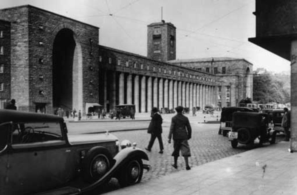 Stadtbildprägend seit Jahrzehnten: der nach den Plänen von Paul Bonatz erbaute Stuttgarter Hauptbahnhof – die Aufnahme entstand im Jahr 1933. Foto: picture-alliance