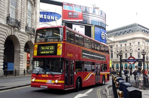 Bus-Explosion erschreckt Londoner