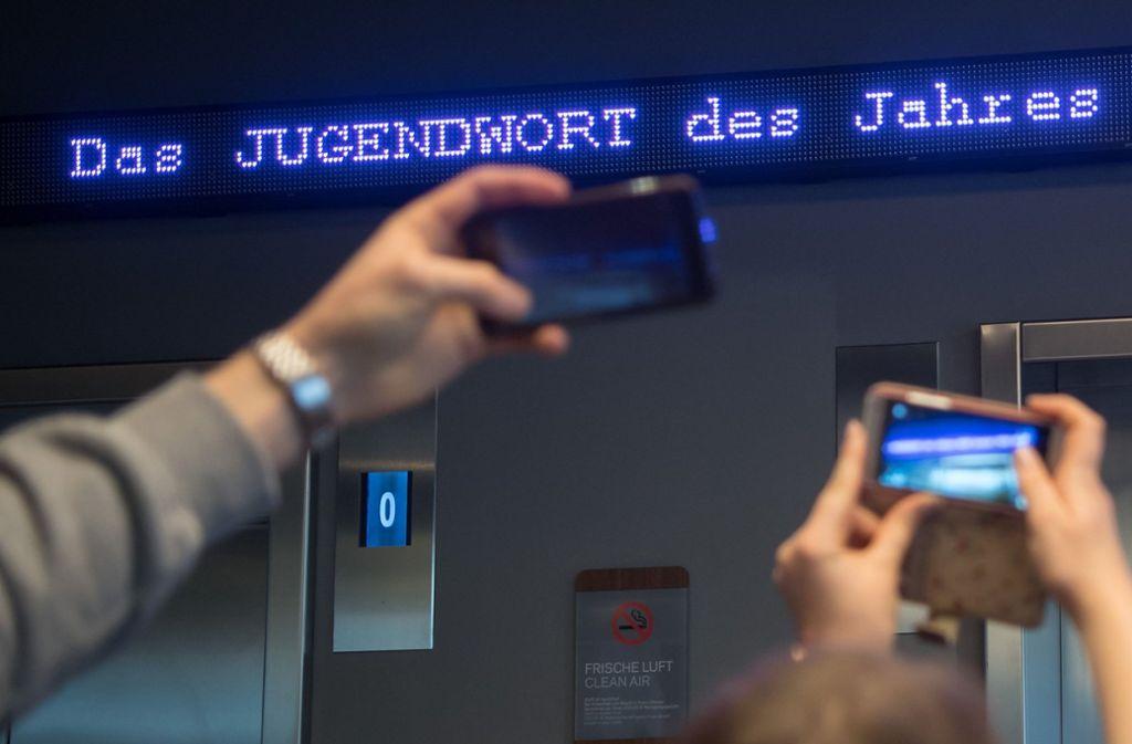 Die Jury musste sich für eines von zehn beliebten Wörtern entscheiden. Foto: dpa
