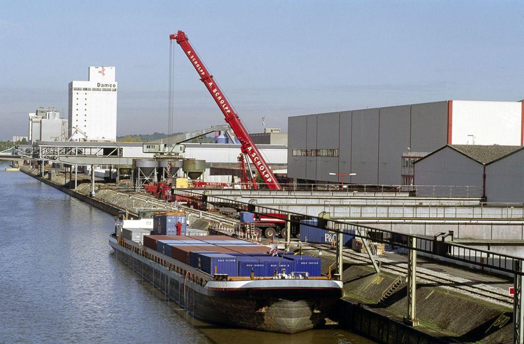 Am Stuttgarter Hafen waren Einbrecher unterwegs. Die Polizei sucht Zeugen. Foto: Hafen Stuttgart