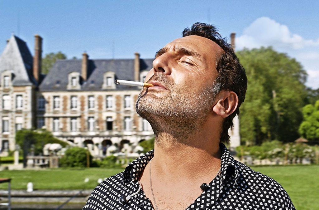 """Gilles Lellouche als verhinderter Popstar in """"Das Leben ist ein Fest"""" Foto: Verleih"""