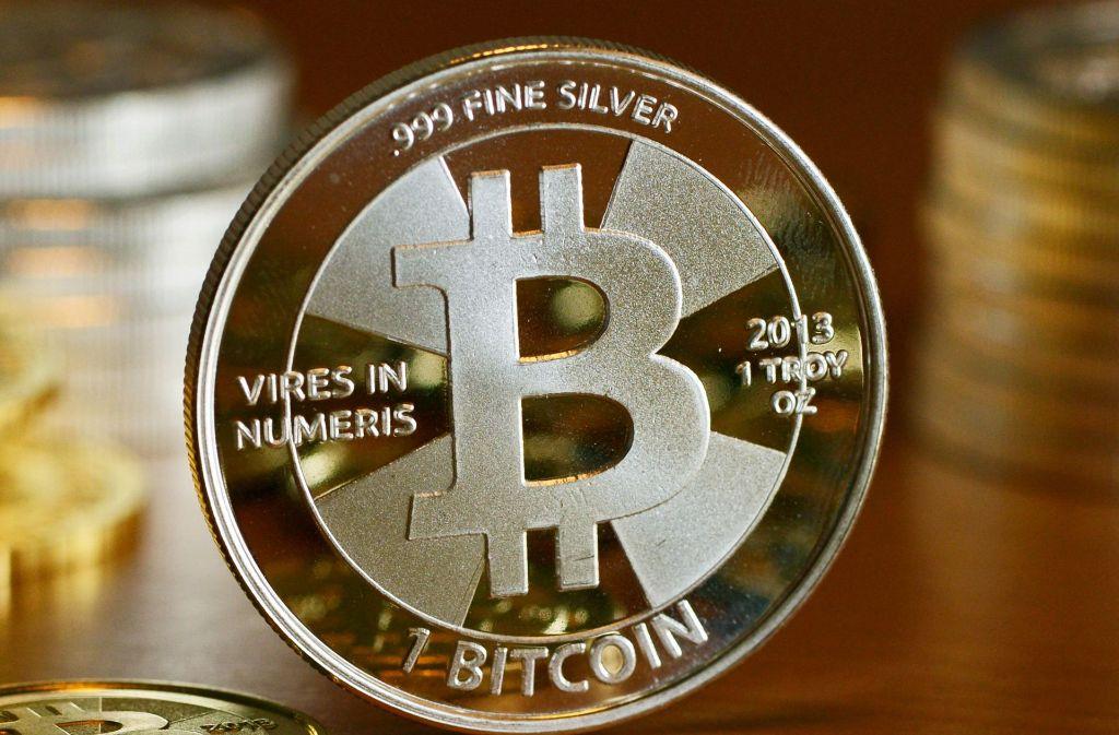 In einer einzigen Woche ist der Bitcoin-Wert um die Hälfte gestiegen. Foto: dpa