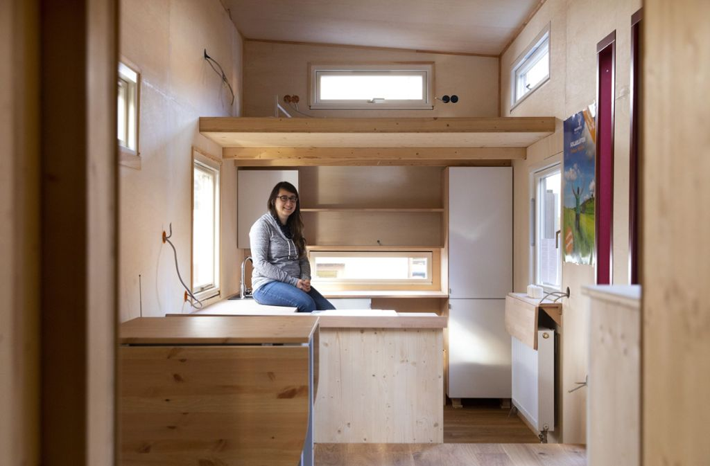 Der Blick auf Wohnzimmer, Küche und Büro im Tiny House von Madeleine Krenzlin. Foto: Frank Eppler
