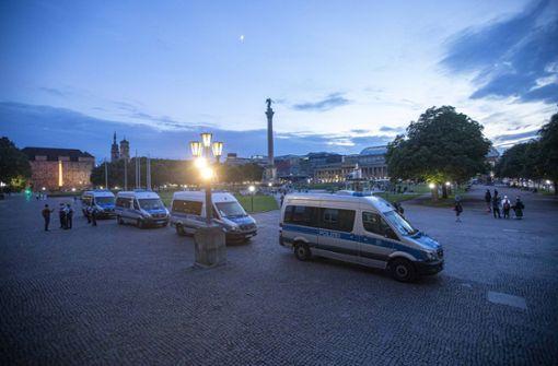 Stuttgarter Polizei bereitet sich auf Nacht zum Sonntag vor