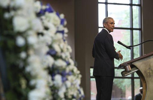 Barack Obama übt in Trauerrede auch Kritik