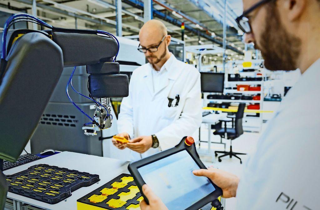 Bei der  Digitalisierung der Wirtschaft sieht sich Pilz in einer Schlüsselrolle Foto: dpa