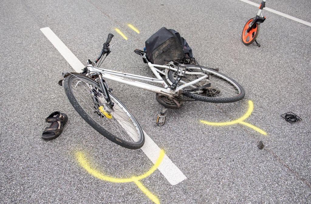Der Radfahrer musste sich einer Blutentnahme unterziehen. (Symbolbild) Foto: dpa