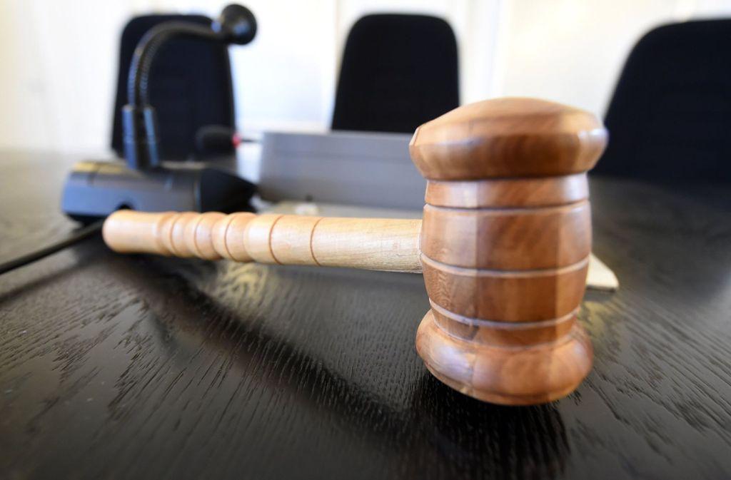 Die Richter in München entschieden, dass die Verkäuferin 7000 Euro Schadenersatz zahlen muss. (Symbolbild) Foto: dpa/Uli Deck