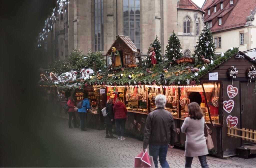 In den Stuttgarter Stadtbezirken gibt es Alternativen zu dem Weihnachtsmarkt in der Innenstadt. Foto: Lichtgut/Max Kovalenko