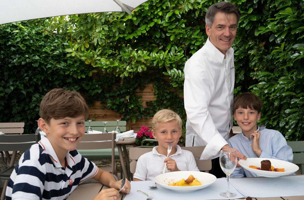 Patrick Giboin bietet im Fässle auch für Kinder mehrgängige Menüs an. Ein Menü kostet 25 Euro. Foto: Lichtgut /Julia Schramm