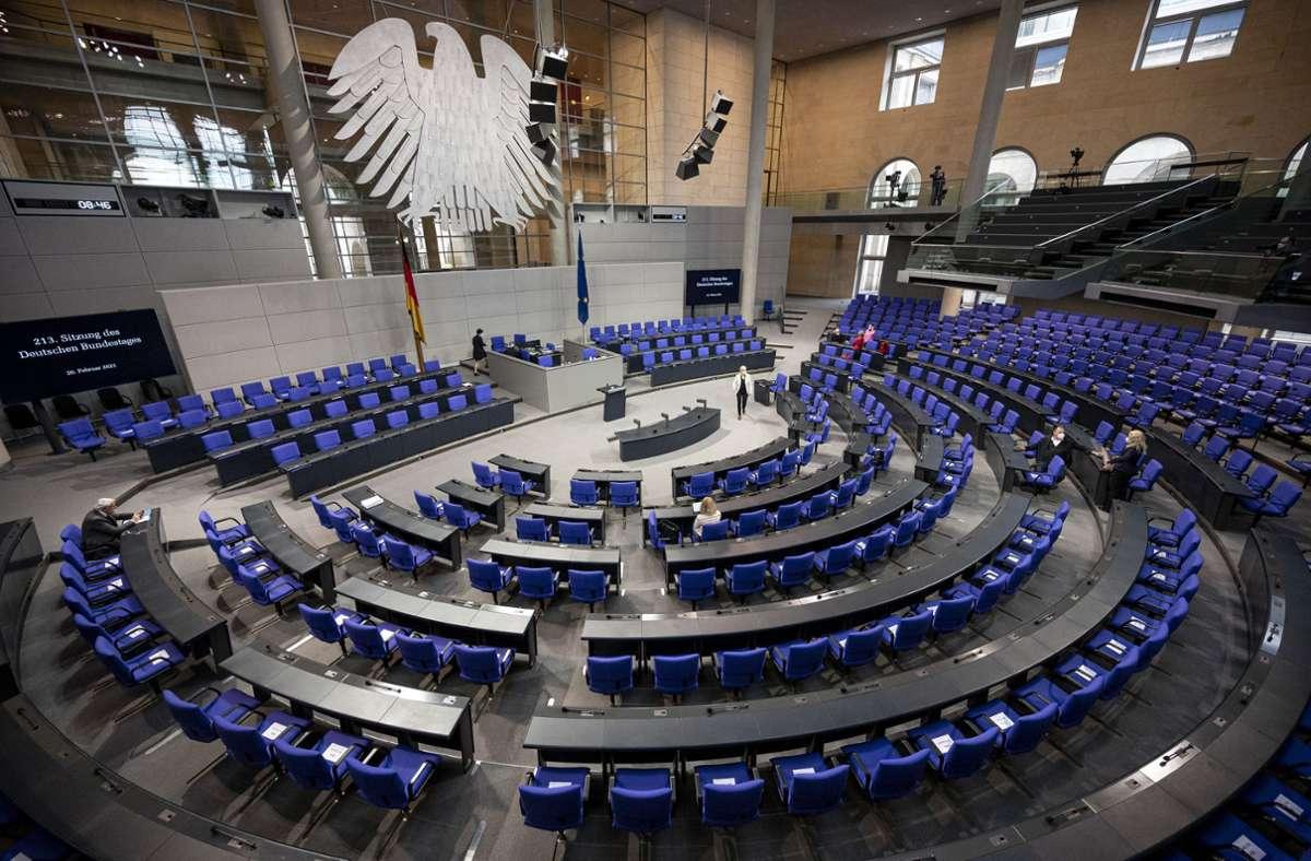 Bei einer Minderheitsregierung stellt die Opposition mehr als die Hälfte der Abgeordneten im Parlament. Foto: dpa/Fabian Sommer