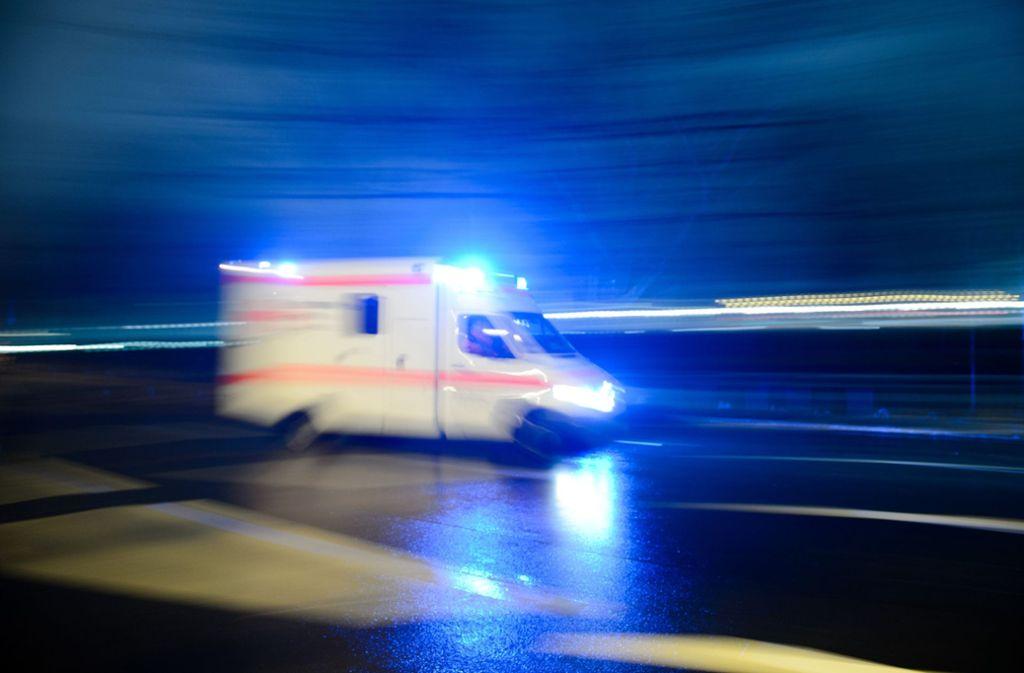 Ein 24-Jähriger ist bei einem Unfall auf der B14 verletzt worden Foto: dpa/Lukas Schulze