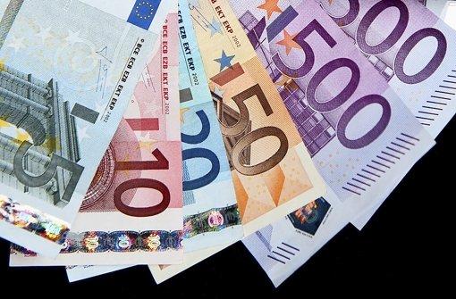 Wem gehören die 10.000 Euro?