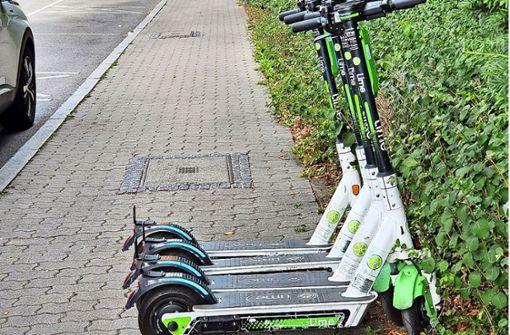 Warum parken E-Roller säuberlich aufgereiht falsch?