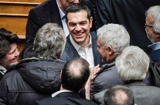 Parlament spricht Premier Tsipras Vertrauen aus