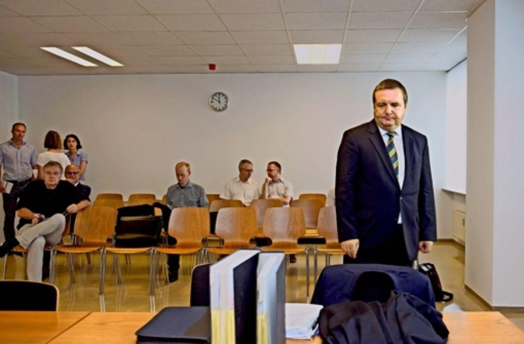 Sein Auftreten überraschte: Stefan Mappus vor dem Verwaltungsgericht. Foto: dpa