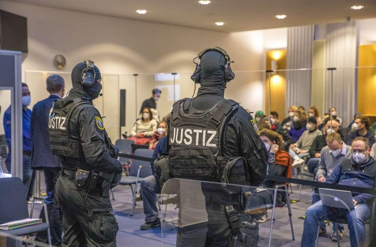 Unter hohen Sicherheitsvorkehrungen wurde das Urteil von Stehpan B. im Oberlandesgericht Naumburg verlesen. Foto: imago images/Christian Grube