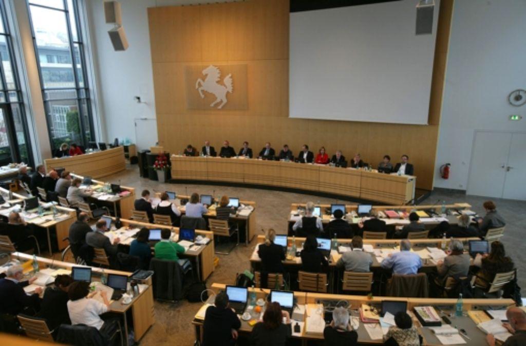 Am 7. Oktober wählen die Stuttgarter Bürger einen neuen OB. Klicken Sie sich durch unsere Bilderstrecke der Kandidaten. Foto: Achim Zweygarth