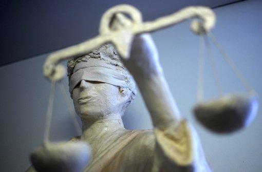 Die Angeklagten im Winterbach-Prozess schweigen weiter. Foto: dpa