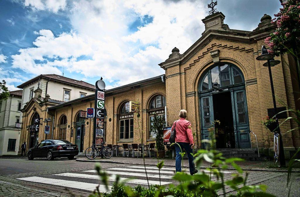 Viele Bürger wünschen sich den Kauf des Bahnhofs Untertürkheim. Foto: Lichtgut/Max Kovalenko