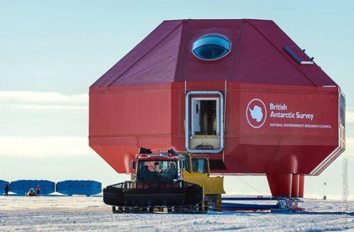 Eisberg droht abzubrechen - Forschungsstation schließt